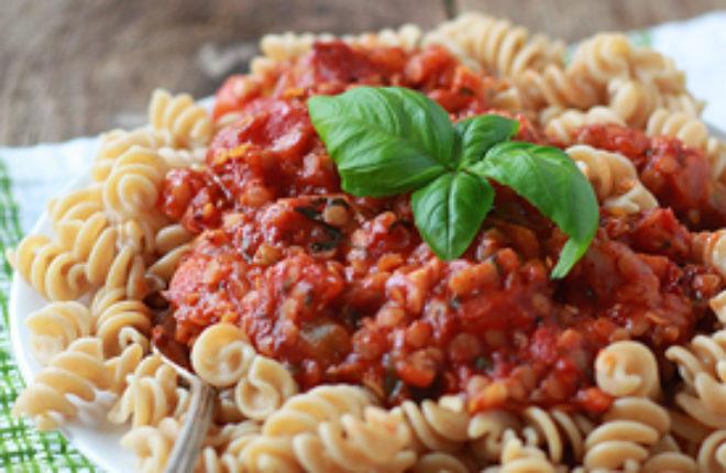 Red Lentil Marinara Sauce | kitchentreaty.com