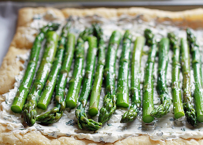 Asparagus Cream Cheese Tart with Optional Bacon | Kitchen Treaty