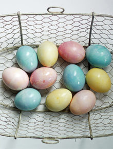 Natural-Vegetable-Dyed-Easter-Eggs-Made-Easy_4
