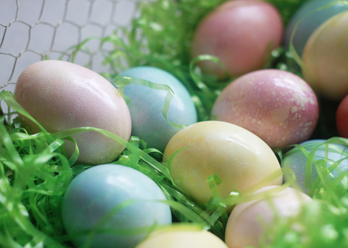 Natural Vegetable-Dyed Easter Eggs Made Easy - Red cabbage makes blue eggs, ground turmeric makes yellow, and beets make pink! So simple and fun.