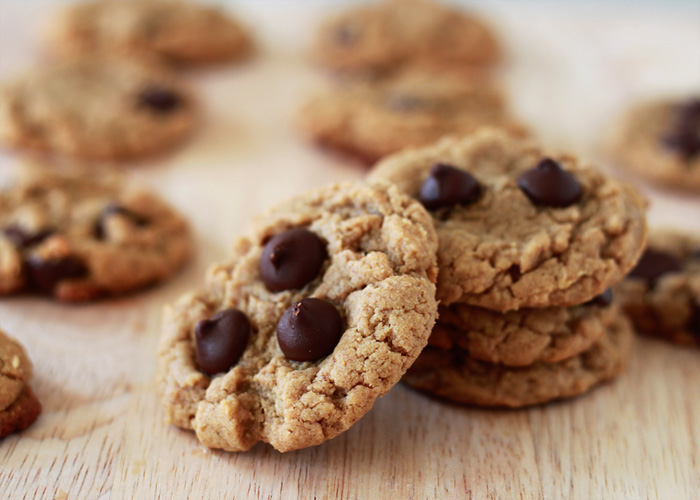 Flourless Peanut Butter Chocolate Chip Cookies | Kitchen Treaty
