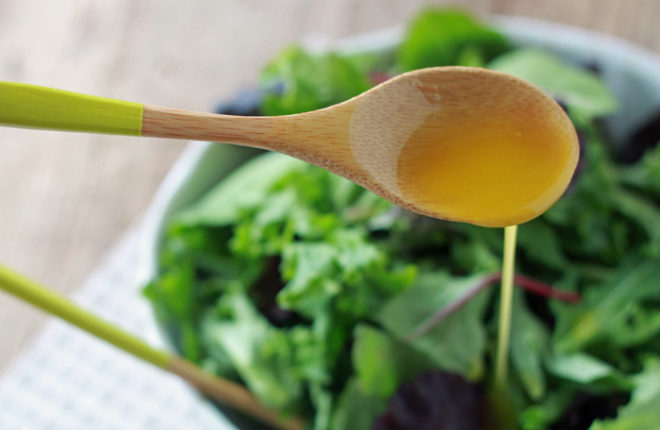 How To Make A Simple Vinaigrette Salad Dressing