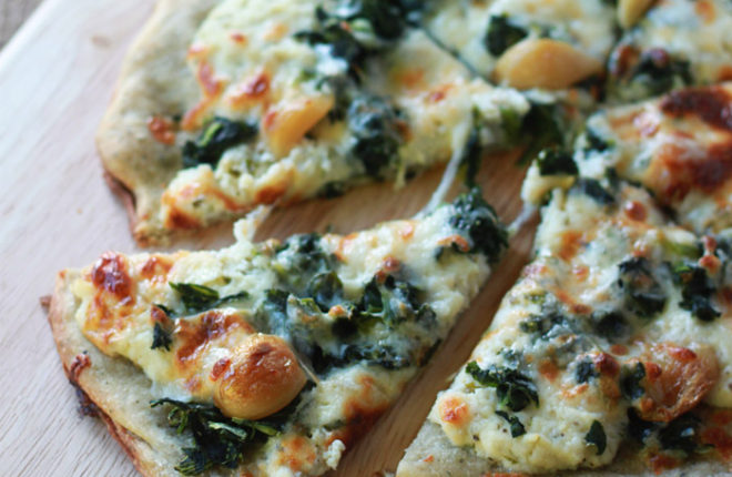 Roasted Garlic And Spinach White Pizza With Optional Chicken