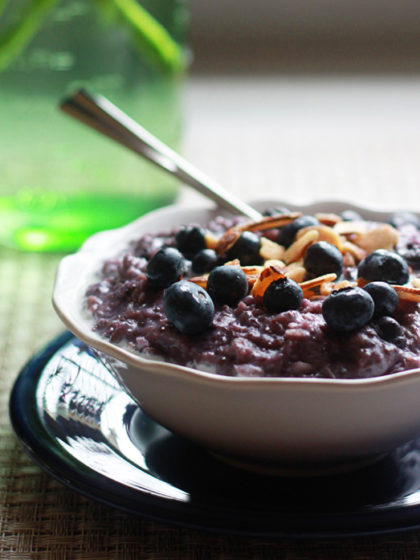 Blueberries and Cream Oatmeal (a.k.a. Purple Oatmeal) + 3 Tips For the Creamiest Oatmeal