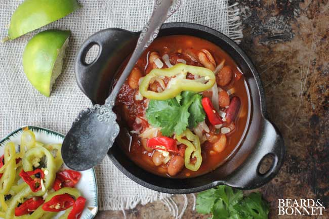 25 Easy & Hearty Vegetarian Slow Cooker Dinner Recipes | Fire-Roasted Slow Cooker Chili