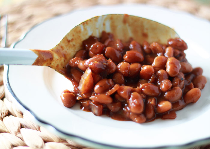Slow Cooker Pumpkin Baked Beans - Vegetarian baked beans, dressed up for fall! An easy Autumn-inspired spin on the classic side makes these baked beans perfect for the holiday table. And the Crock Pot makes them even easier!