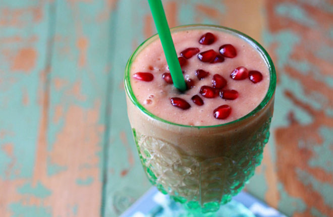 All-Fruit Pomegranate-Mango Smoothie - Just four ingredients to sunshine in a glass!