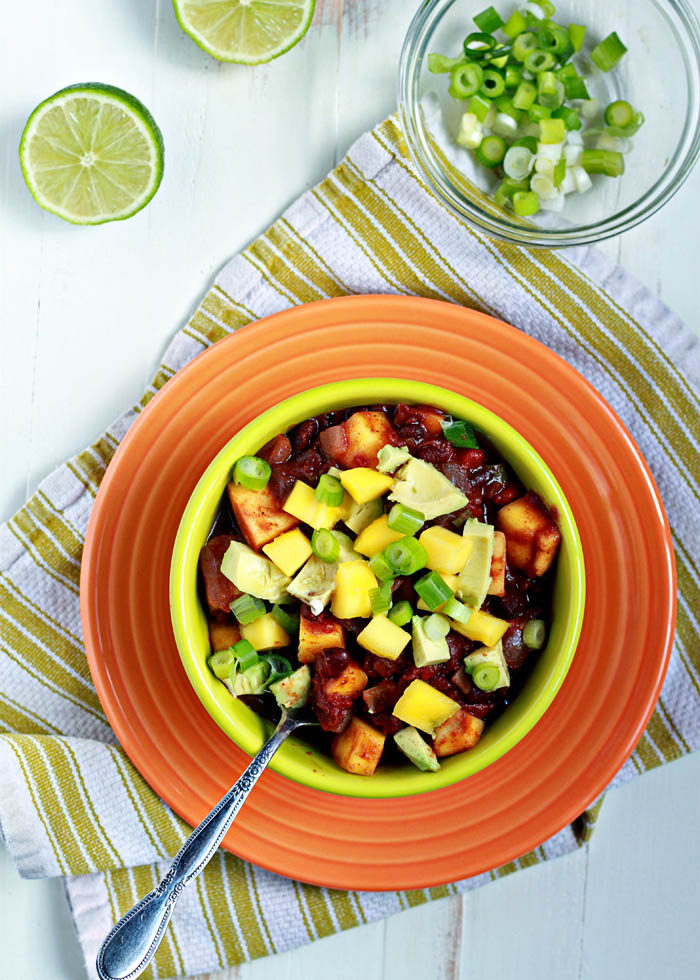 Slow Cooker Black Bean & Mango Caribbean Chili recipe - A savory and sweet taste of the tropics, this vegan chili will shake up your Crock Pot chili rotation. In a good way.