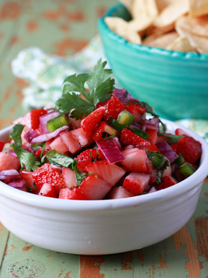 Strawberry Jalapeno Salsa - only 5 ingredients for the perfect summer fruit salsa recipe!