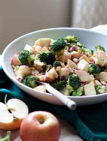 broccoli-apple-salad-with-creamy-tahini-lemon-dressing5