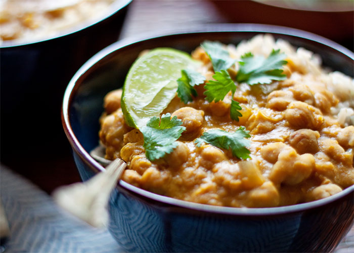 slow-cooker-pumpkin-chickpea-and-red-lentil-curry4