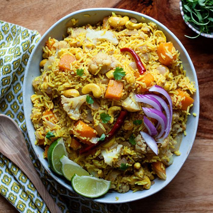 biryani-inspired-autumn-vegetable-rice-with-butternut-squash-cauliflower-and-cashewssq