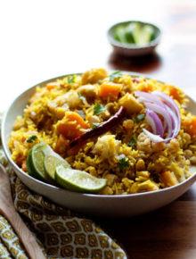 biryani-inspired-autumn-vegetable-rice-with-butternut-squash-cauliflower-and-cashewssq2