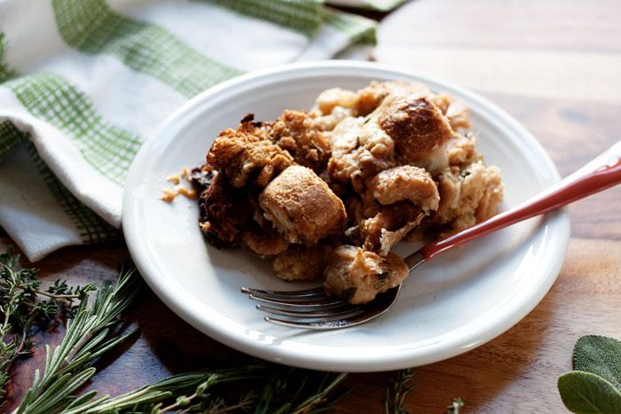 slow-cooker-sourdough-herb-stuffing-recipe4