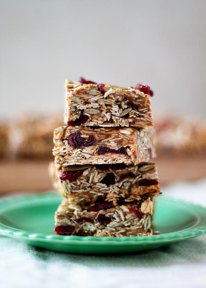 no-bake-peanut-butter-granola-bars-cranberries-pepitas2