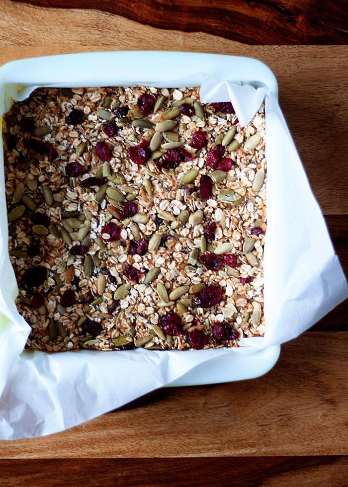 no-bake-peanut-butter-granola-bars-cranberries-pepitas4