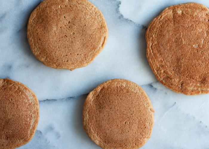 gluten-free-vegan-banana-blender-pancakes4
