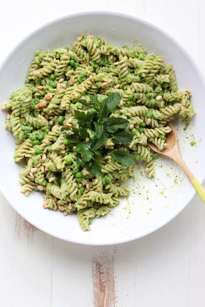 Kitchen Treaty's Top 10 of 2016 #8: Pea Pesto Pasta Salad!