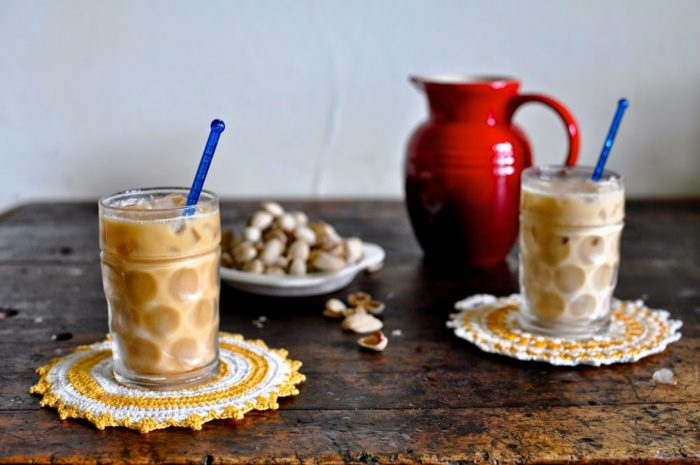 10 ways to upgrade your iced coffee! Shake it, freeze it, flavor it ... so many ways to up your iced coffee game. Like this Toasted Coconut Cold Brew Horchata from @holajalapeno!