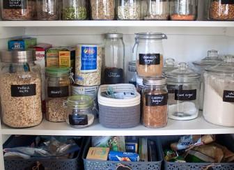 small-pantry-organization-sq