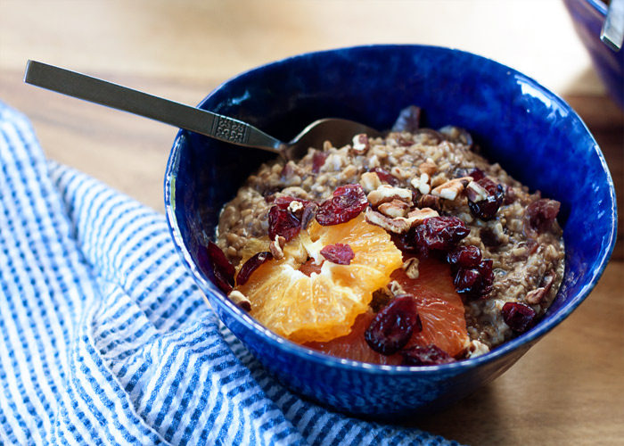 Orange Cranberry Steel-Cut Oatmeal recipe - Creamy, warmly spiced, and just different enough to be special, this hearty vegan oatmeal is full of cozy flavors - the perfect breakfast for when the weather turns colder. #sponsored #lovemysilk #doplants