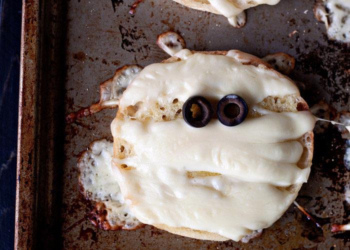 Garlic Cheese Bread Mummies