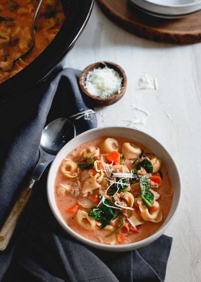 Slow Cooker Creamy Tortellini Spinach Soup recipe