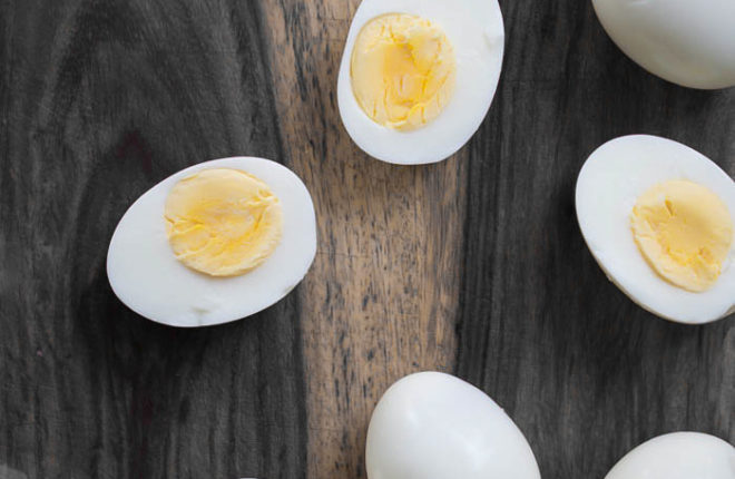 How to make hard boiled eggs not smell in the fridge