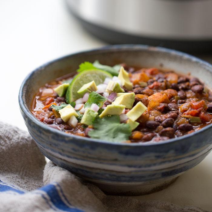 Simple Instant Pot Vegan Black Bean Chili Kitchen Treaty Recipes
