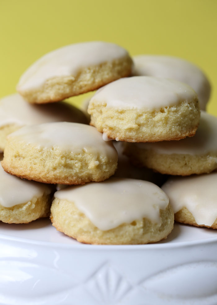 These gluten-free and dairy-free lemon cookies are moist, light, and soft. Melt-in-your-mouth lemony goodness - and ridiculously easy, too!