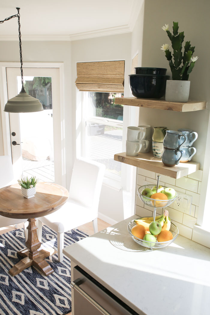 How we DIYed our whitewashed open shelving #openshelving