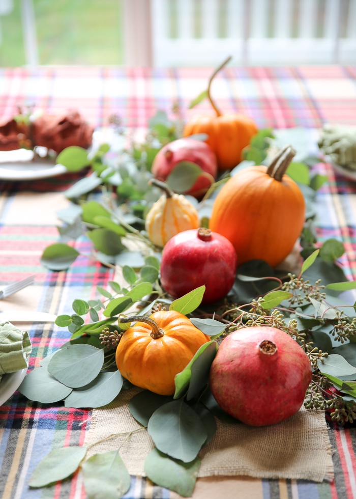 Super simple Thanksgiving centerpiece idea